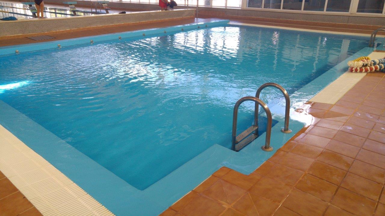 Detalle de las mejoras en el polideportivo municipal con for Piscina cubierta almassera