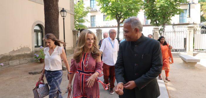 """El embajador de India inauguró ayer la exposición """"Gandhi: Mi vida es mi mensaje"""" en la Casa de Cultura"""
