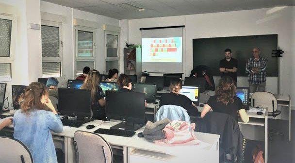 Aula y alumnos del programa de cualificación profesional