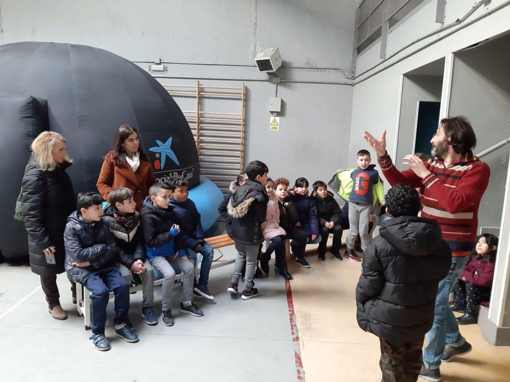 Planetario en el CEIP San Lorenzo. Día Internacional de la Mujer y la Niña en la Ciencia