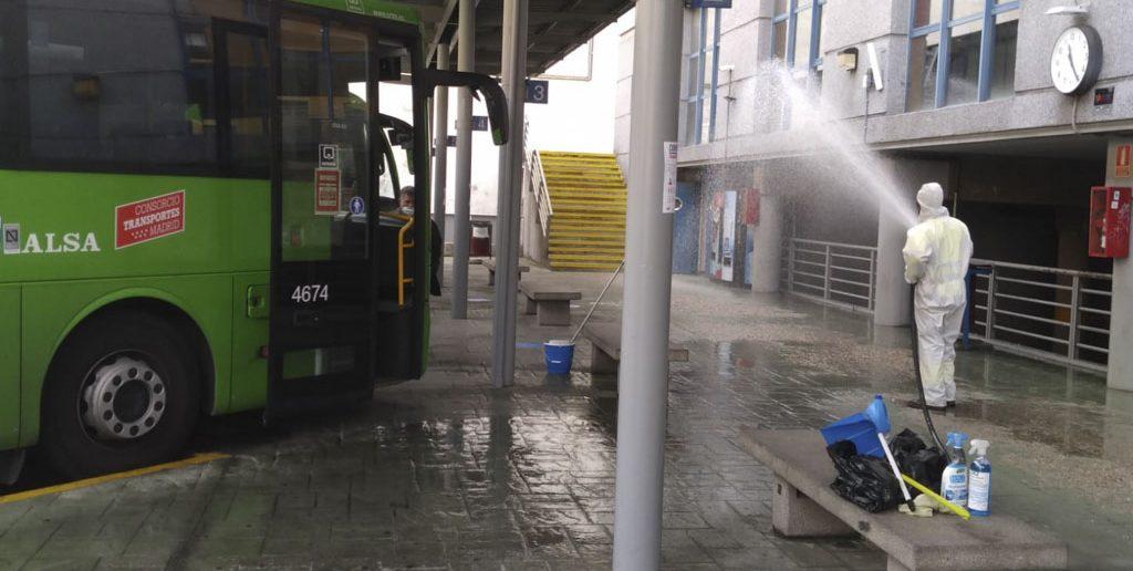 Limpieza y desinfección de la Estación de Autobuses