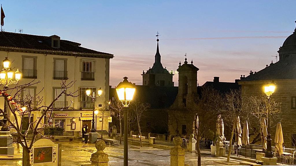San Lorenzo de noche