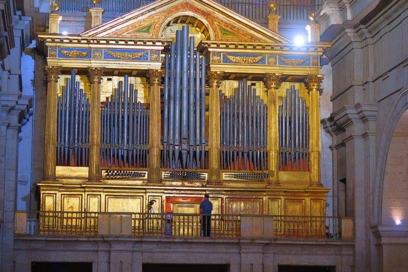 Organo basílica del Monasterio
